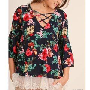 Umgee 3/4 Bell Sleeve Floral Top w/ Lace Hem S